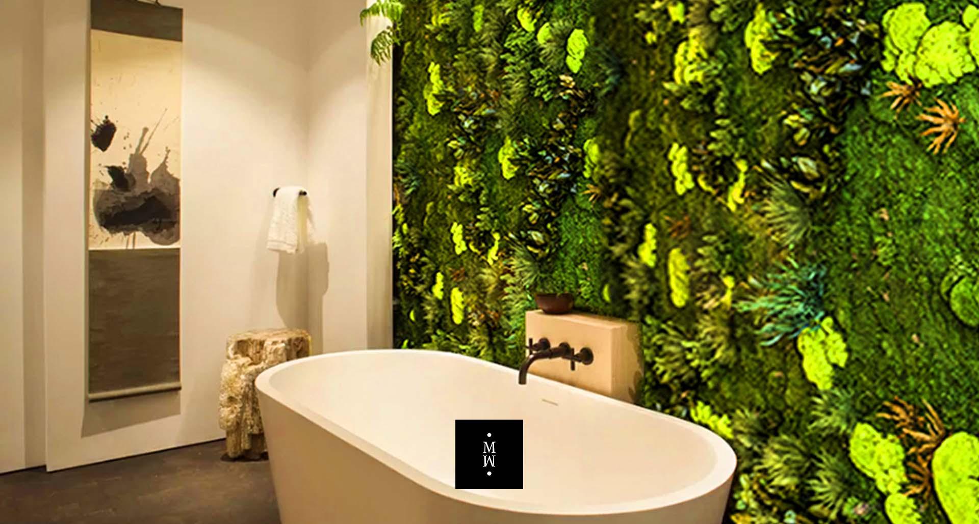 Dschungelmooswand im Badezimmer